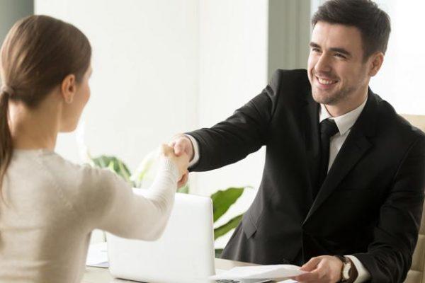 ¿Cómo causar buena impresión en una entrevista de trabajo?