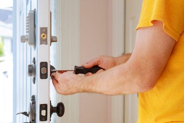 Beneficios de contratar a un cerrajero profesional