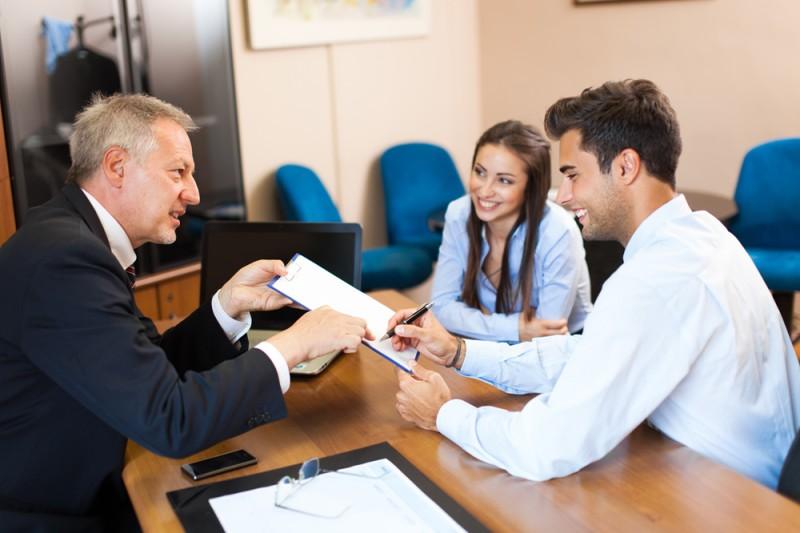 Cómo iniciar un negocio notarial