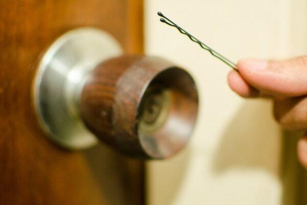 Los 3 mejores consejos para contratar a un cerrajero para su negocio